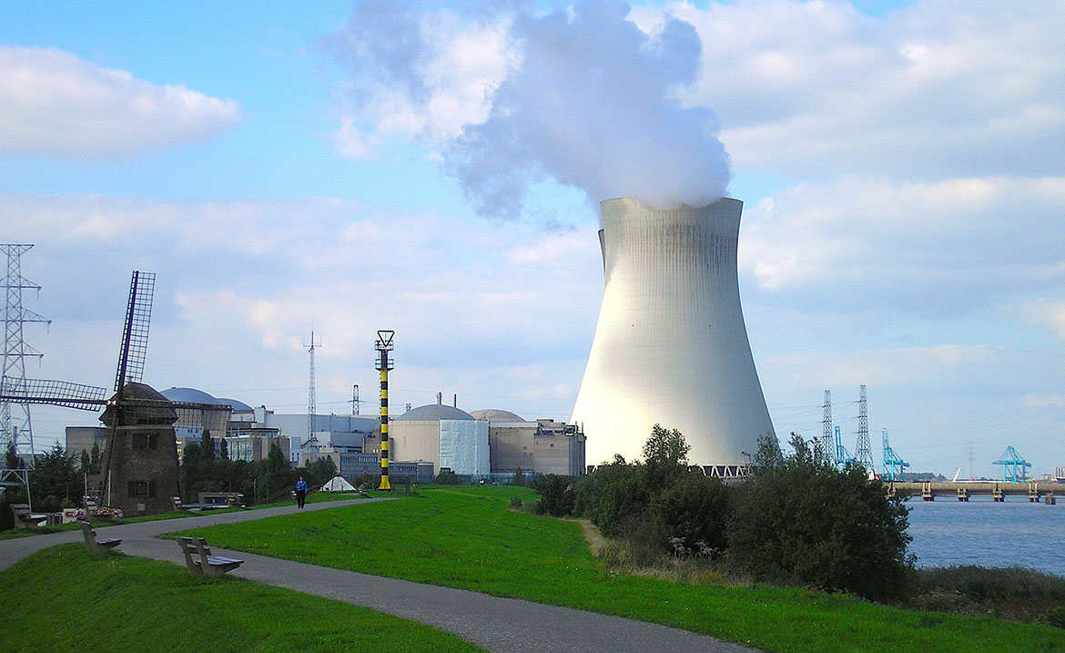 essay on nuclear power Advertisements: read this essay to learn about nuclear power after reading this essay you will learn about: 1 what is nuclear power 2 sources of nuclear power 3.