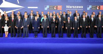 NATO Varşova Zirvesi'nde Bizi Neler Bekliyor?
